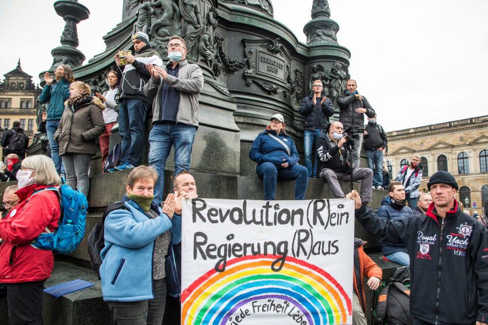 """Dresden: """"Unkontrollierte Corona-Party""""? Deshalb war die Polizei bei der Querdenken-Kundgebung machtlos"""