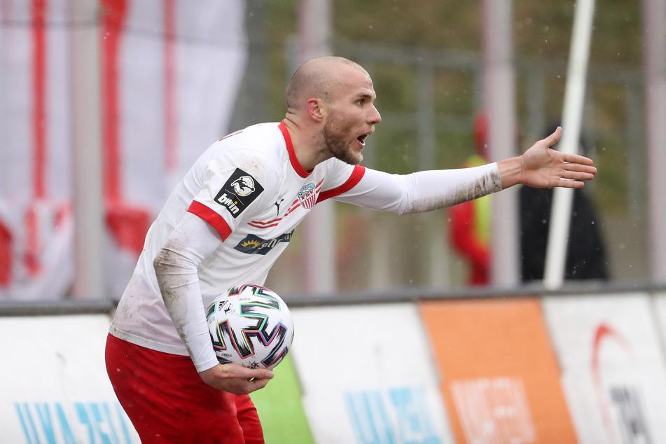 FSV-Verteidiger Manfred Starke (30) brachte Zwickau in Führung. Kurz vor Schluss kam der Ausgleich.
