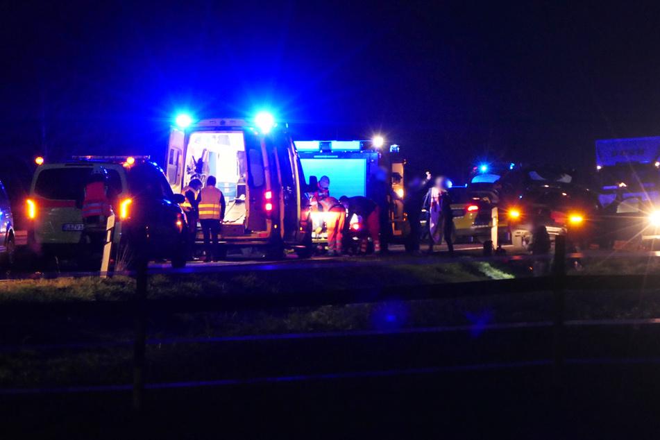 Auf der S38 ist am Dienstagnachmittag ein Radfahrer von einem Mercedes erfasst worden.