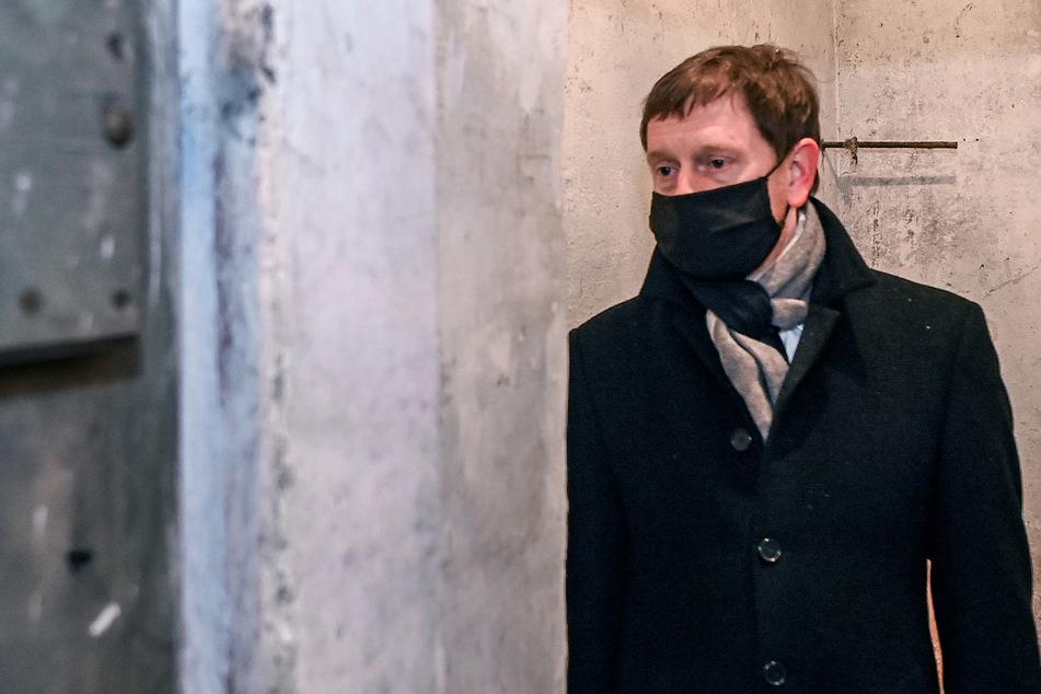 """Kretschmer verurteilt Antisemitismus: """"Keine Meinung, sondern ein Verbrechen"""""""