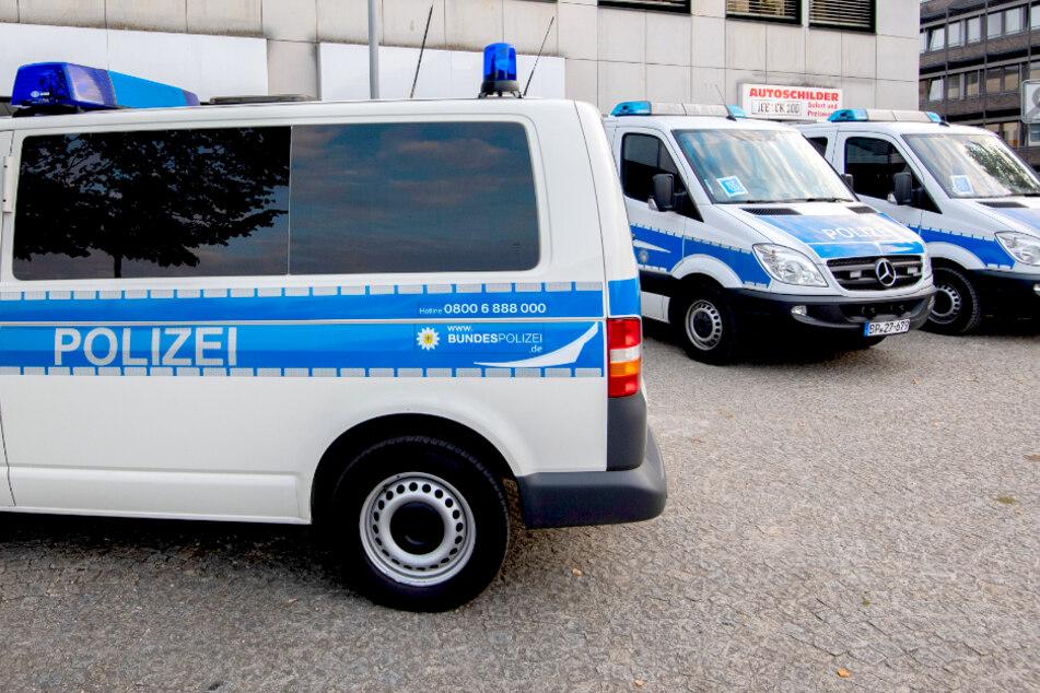 Razzia gegen illegale Arbeit: Polizei durchsucht Wohnung in Berlin!