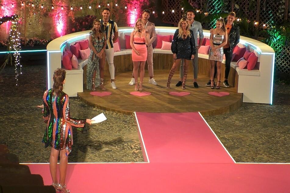 Die ersten Couples der neuen Staffel stehen fest: Bianca (23, v.l.n.r.) und Breno (21), Emilia (21) und Adriano (26), Nicole (29) und Dennis (27) sowie Greta (21) und Fynn (23).