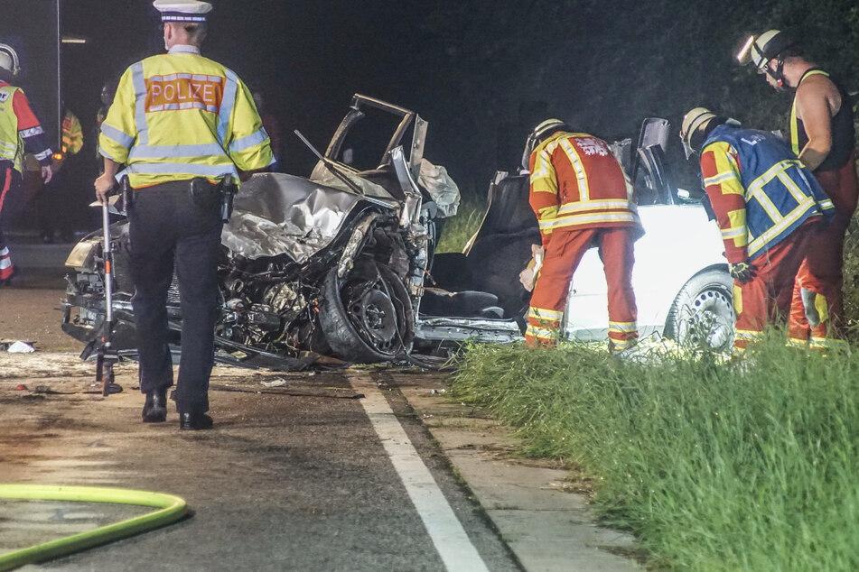 Zwei Autos krachen frontal zusammen: Drei Verletzte