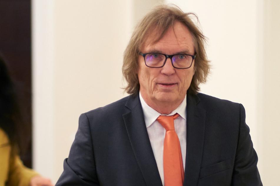 Metzelders Anwalt Ulrich Sommer (69).