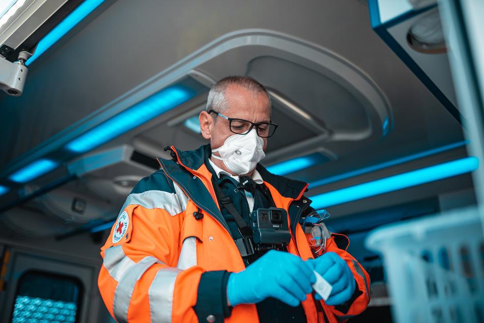 """Notfallsanitäter Petro Sadoni (56) wusste auf der Anfahrt noch nicht, was ihn erwartet: """"Es kann auch eine Reanimation werden."""""""