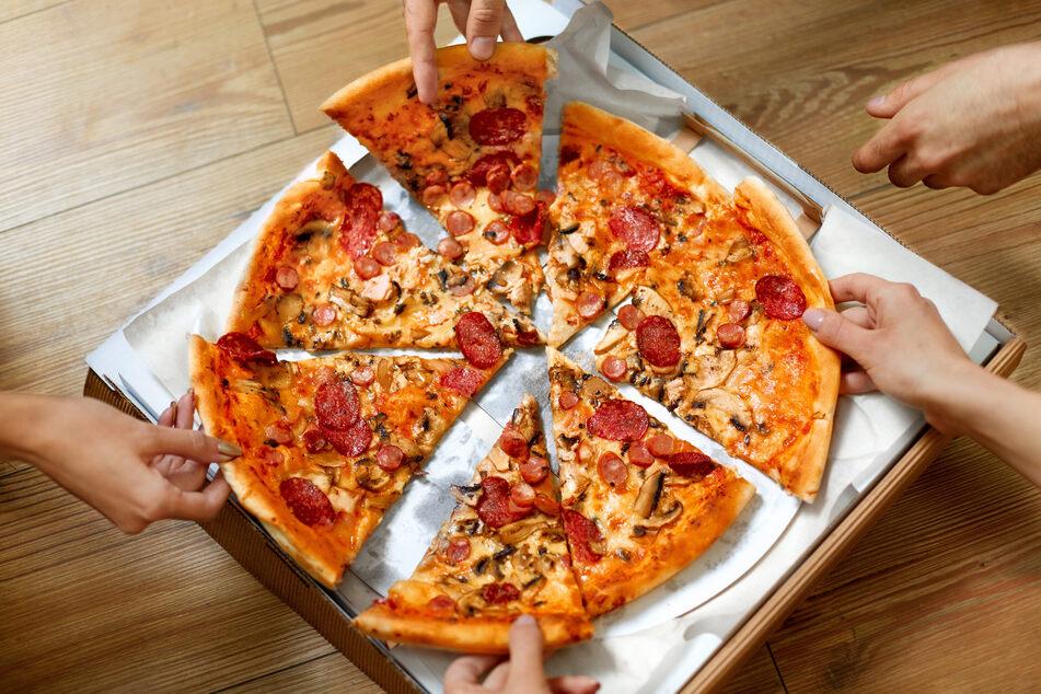 Wer nicht auf die Salamipizza verzichten möchte, greift lieber zur Bio-Variante. (Symbolbild)