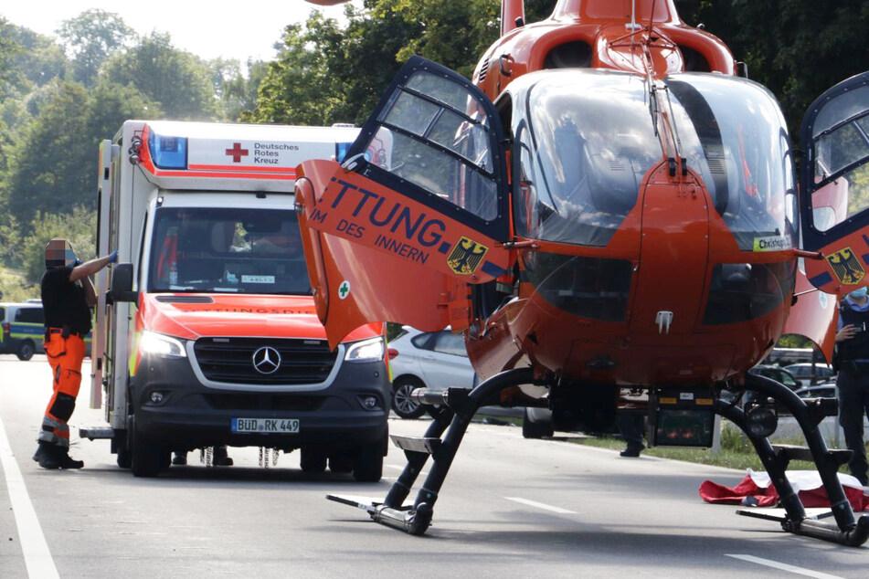 Ein Rettungshubschrauber kam zum Einsatz, doch für den schwer verletzten Biker kam jede Hilfe zu spät.