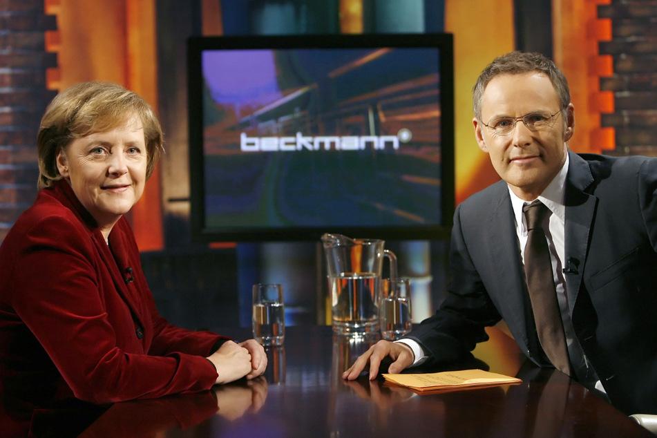 Selbst Angela Merkel (66) hatte er zu Gast: Beckmann in seiner eigenen Talkshow im Jahr 2006. (Archivbild)