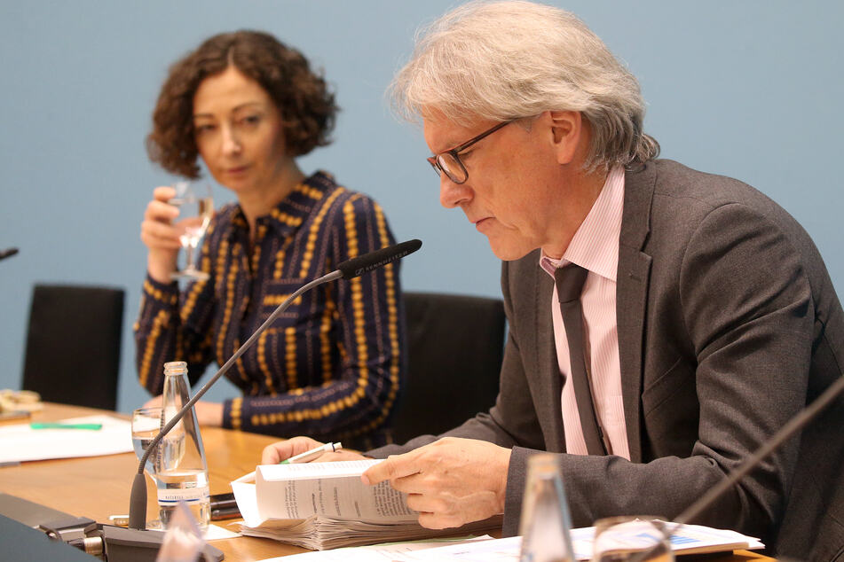 Ramona Pop (Grüne) und Matthias Kollatz (SPD) sind negativ auf das Coronavirus getestet worden.