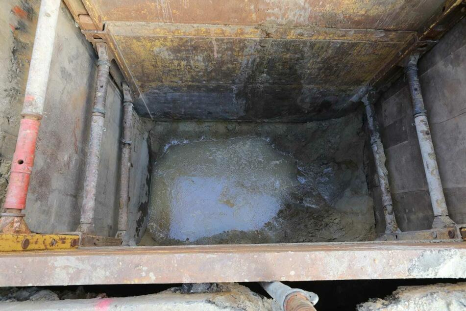 Bei dem Fund im Erdreich handelt es sich um alte Brunnenteile.