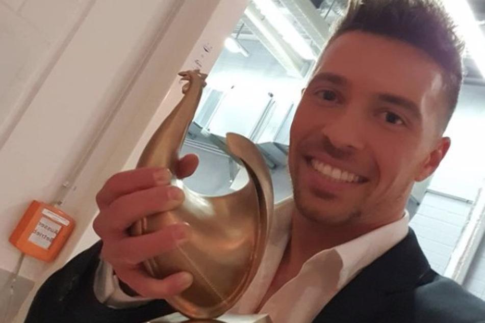 """Am 30. Oktober bekam Ramon den Publikumspreis """"Goldene Henne"""" verliehen. Eine Riesen-Ehre für den Sänger!"""
