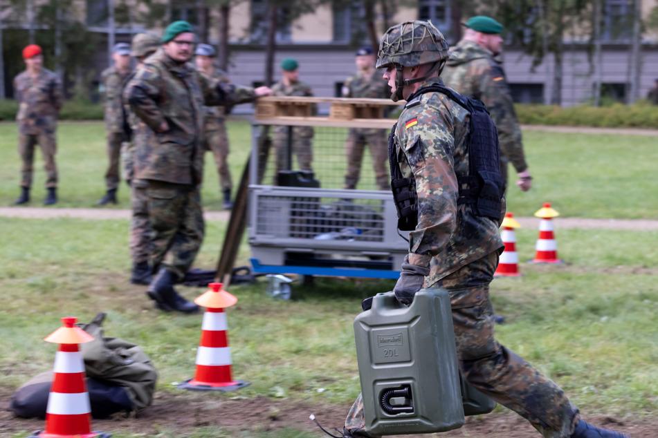 """Die Offizieranwärter lernen an der """"Offizierschule des Heeres"""" in Dresden nicht nur das Tragen der Verantwortung."""
