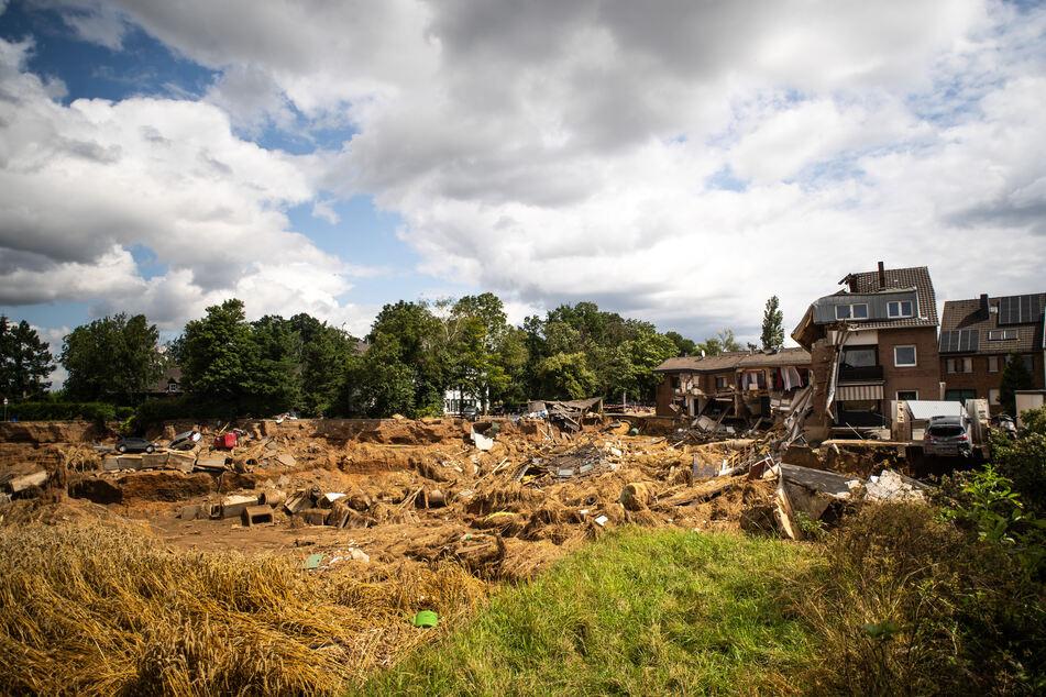 Zerstörte Häuser bei Erftstadt-Blessem. Das Foto wurde am 28. Juli 2021 gemacht.