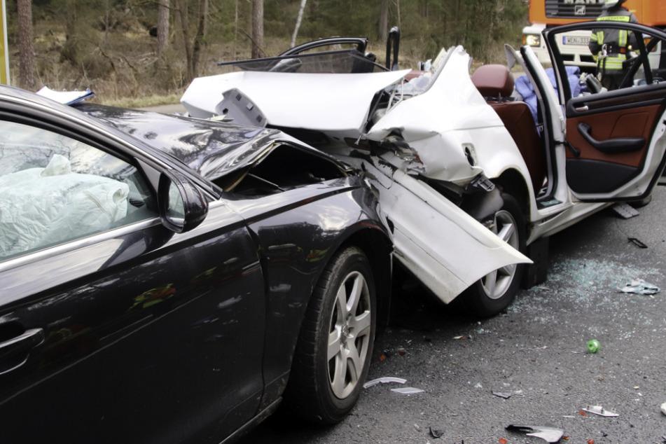 Auf der Bundesstraße 470 ist es zu einem Unfall mit drei Autos gekommen.