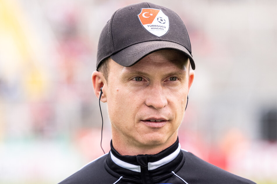 Petr Ruman (44) ist nicht länger als Trainer von Türkgücü München tätig. Der Verein hat sich offiziell vom Übungsleiter getrennt.