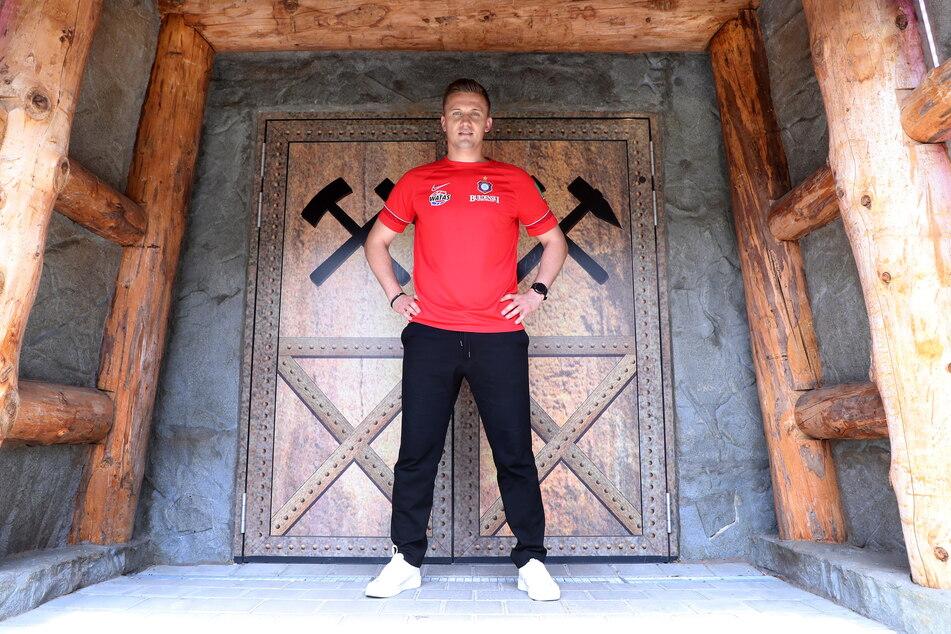 Aleksey Shpilevski (33) ist da! Der neue Trainer des FC Erzgebirge Aue stellte sich am Dienstag offiziell vor - und will für drei Jahre bleiben.