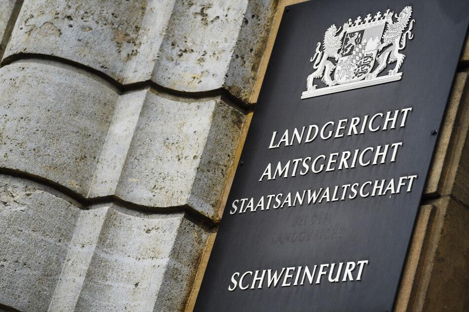 Vom Mittwoch (28. Juli) an steht eine 27-Jährige wegen Ermordung ihres Neugeborenen vor dem Landgericht in Schweinfurt.