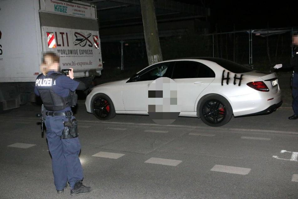 Berlin: Autos mit Hakenkreuzen und rechten Parolen beschmiert