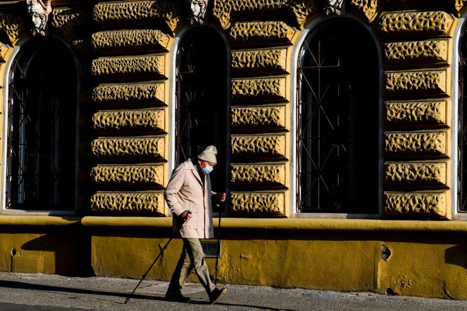 In Tschechien werden in Folge hoher Corona-Infektionszahlen strengere Maßnahmen im Kampf gegen die Pandemie umgesetzt.