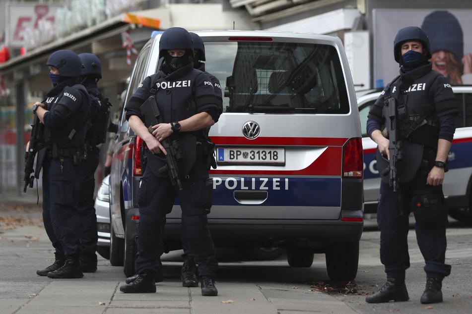 Anschlag in Wien: Eröffnete der Terrorist ausgerechnet wegen SMS der Polizei das Feuer?