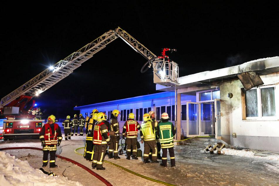 Es brannte in einer Lagerhalle eines Unternehmens an der Platanenstraße.