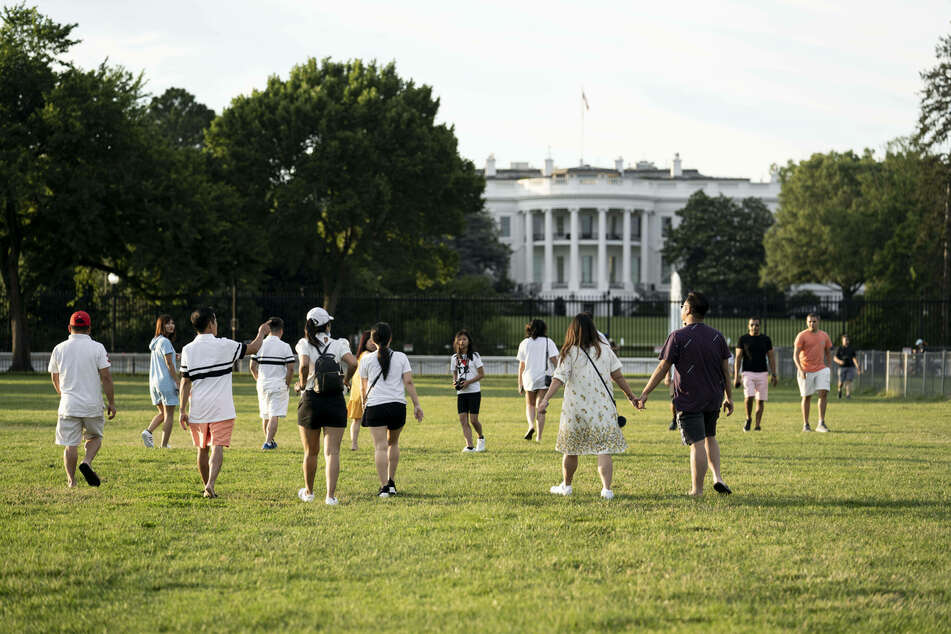 The White House is planning a July 4 celebration with 1,000 people on the White House lawn.