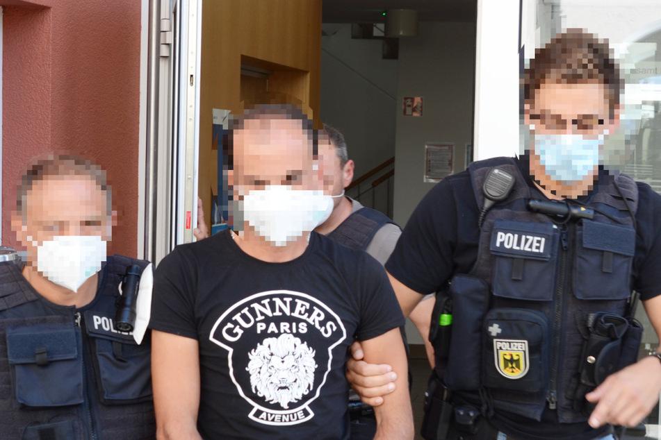 Zwei Männer festgenommen: Der Bundespolizei Passau ist ein Schlag gegen eine international agierende Schleuserbande gelungen.