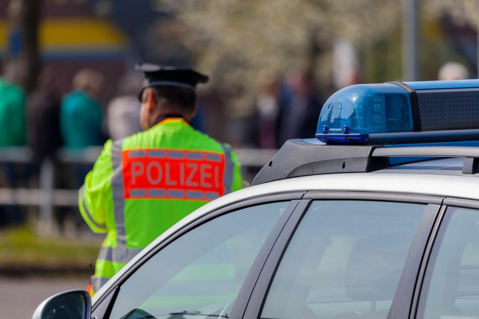 Passanten auf offener Straße von hinten attackiert: Polizei nimmt 19-Jährigen fest