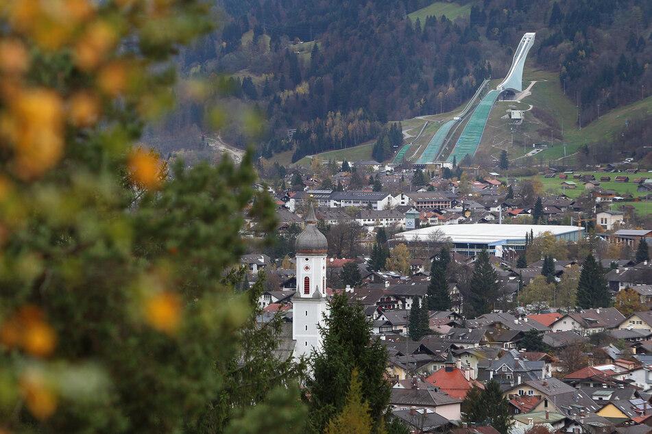 Der heftige Corona-Ausbruch im bayerischen Garmisch-Partenkirchen soll auf eine US-amerikanische Touristin zurückgehen.
