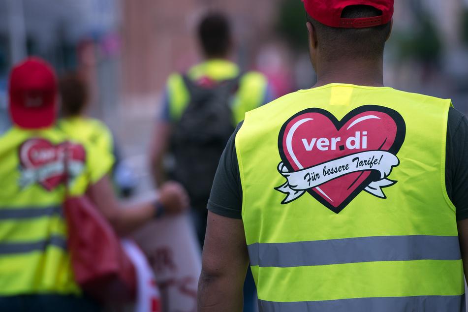 Die Gewerkschaft Verdi hatte für die 700.000 Beschäftigten im NRW-Einzelhandel 4,5 Prozent und 45 Euro mehr Gehalt, Lohn und Ausbildungsvergütung gefordert.