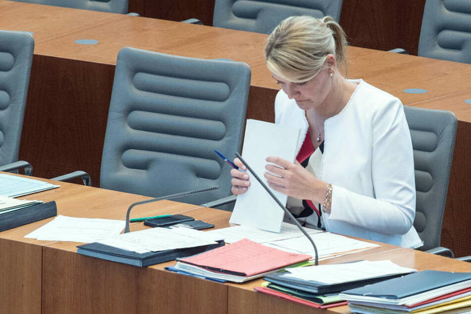 Im U-Ausschuss soll unter anderem geklärt werden, ob sich die Landesregierung in der Hacker-Affäre wahrheitswidrig geäußert hat.