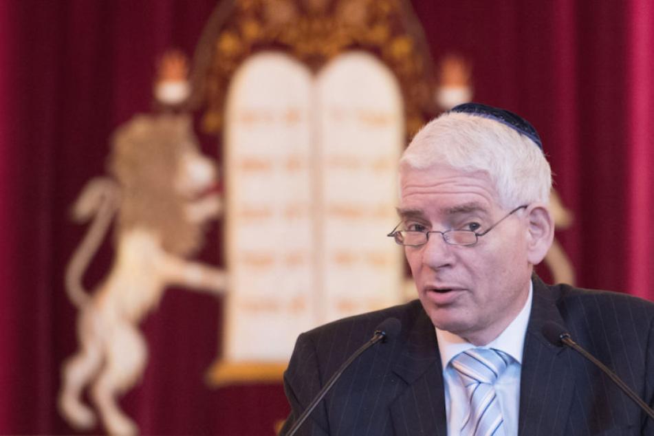 Der Präsident des Zentralrates der Juden Josef Schuster (64) mahnt vor Antisemitismus in Deutschland.