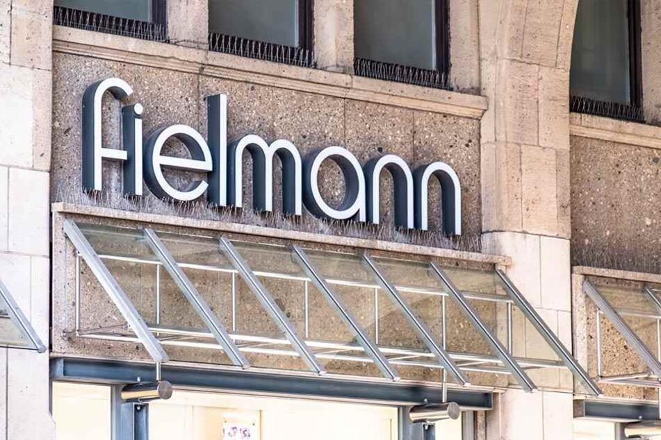 Die Staatsanwaltschaft ermittelt gegen ehemalige Mitarbeiter der Fielmann AG.