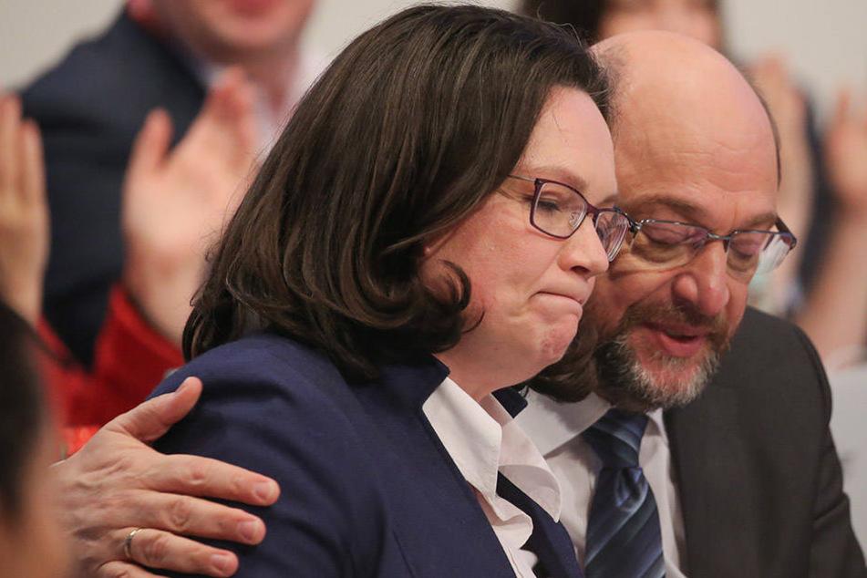 Eigentlich sollte Andrea Nahles den Parteivorsitzenden Martin Schulz möglichst schnell ablösen. Dafür hagelt es nun Kritik.