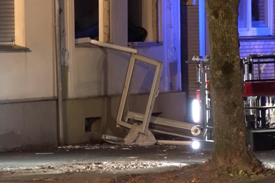 Explosion: Einsatzkräfte können Wohnhaus nicht betreten