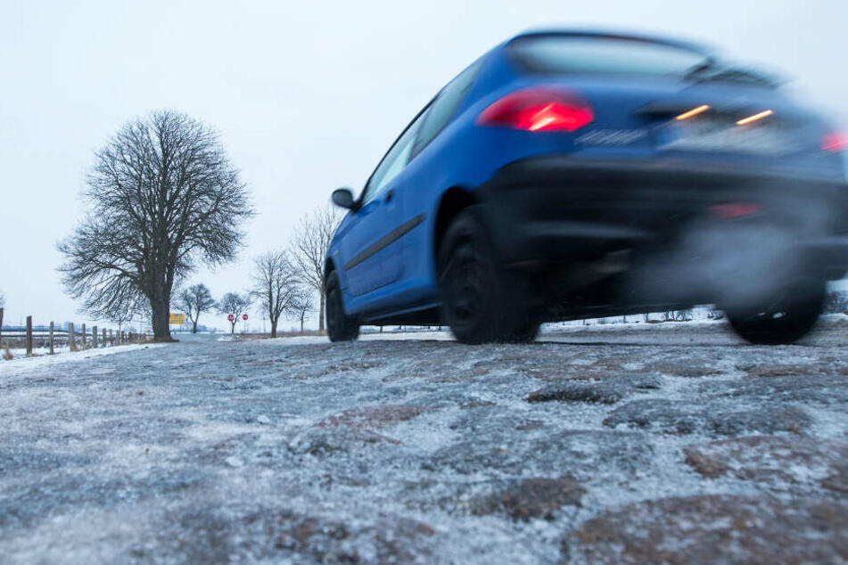 Achtung! Glatte Straßen in Hessen gefährden Berufsverkehr