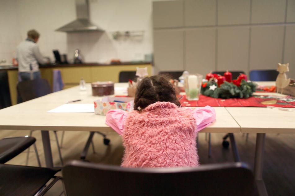 Das Land Sachsen-Anhalt erhöht die Mittel für Kinder in Frauenhäusern. (Symbolbild)