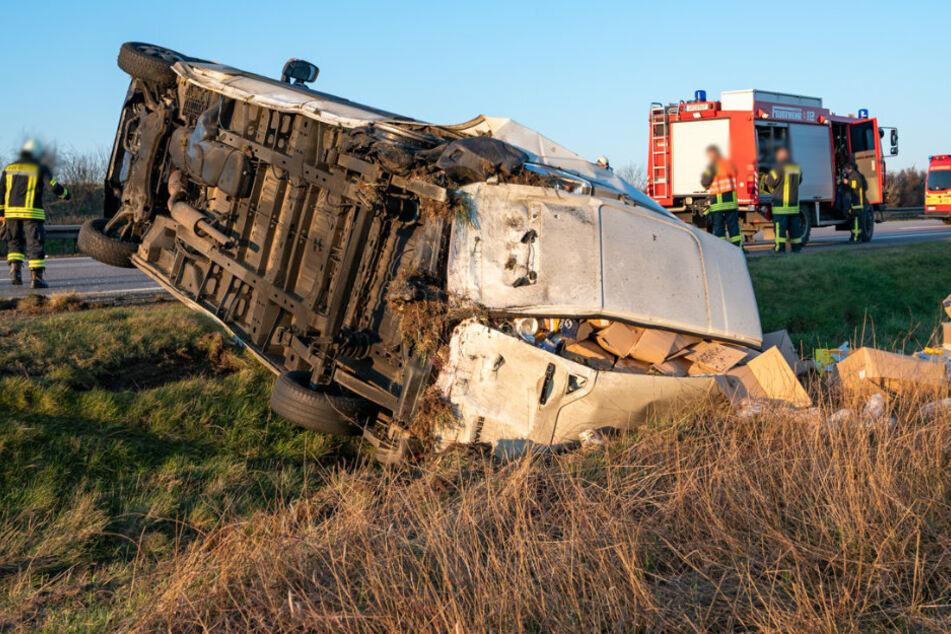 Schwerer Unfall auf A4: Audi knallt ungebremst auf Transporter
