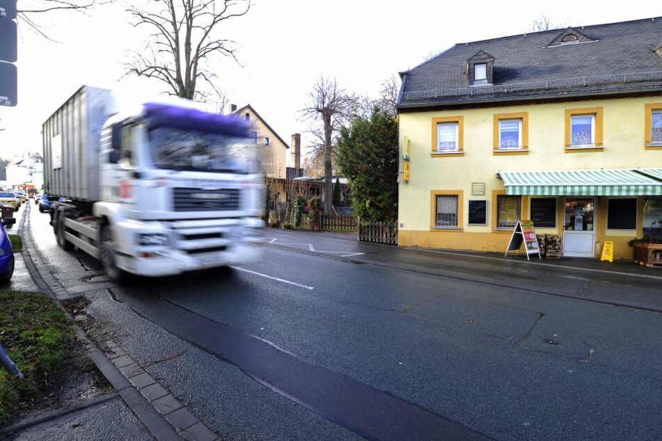Die Verkehrssituation an der Bornaer Straße ist für Anwohner belastend.