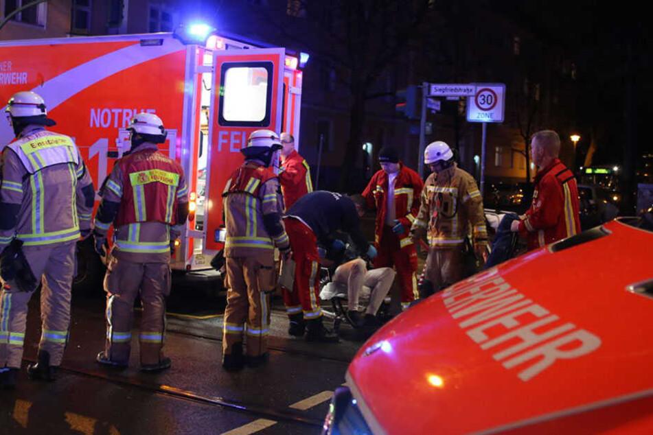 20 Einsatzkräfte der Berliner Feuerwehr waren vor Ort, um zu helfen.