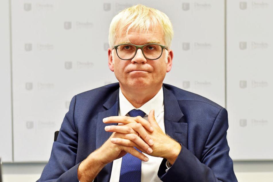 Finanzminister Hartmut Vorjohann (56, CDU) kann den Mitarbeitern keine Jobsicherheit versprechen.