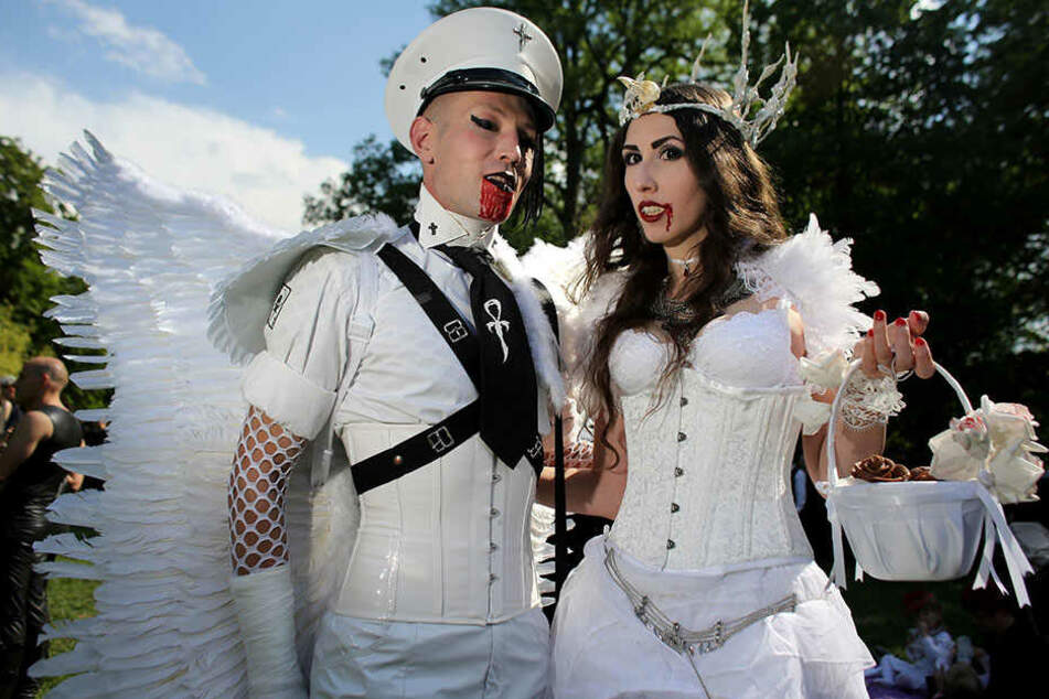 Wer noch eine abgefahrene Location zum Heiraten sucht, geht in die Leipziger Kasematten in zehn Meter Tiefe.
