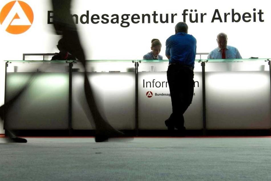 Für viele der Mitarbeiter bleibt zunächst nur der Weg zur Agentur für Arbeit (Symbolfoto).