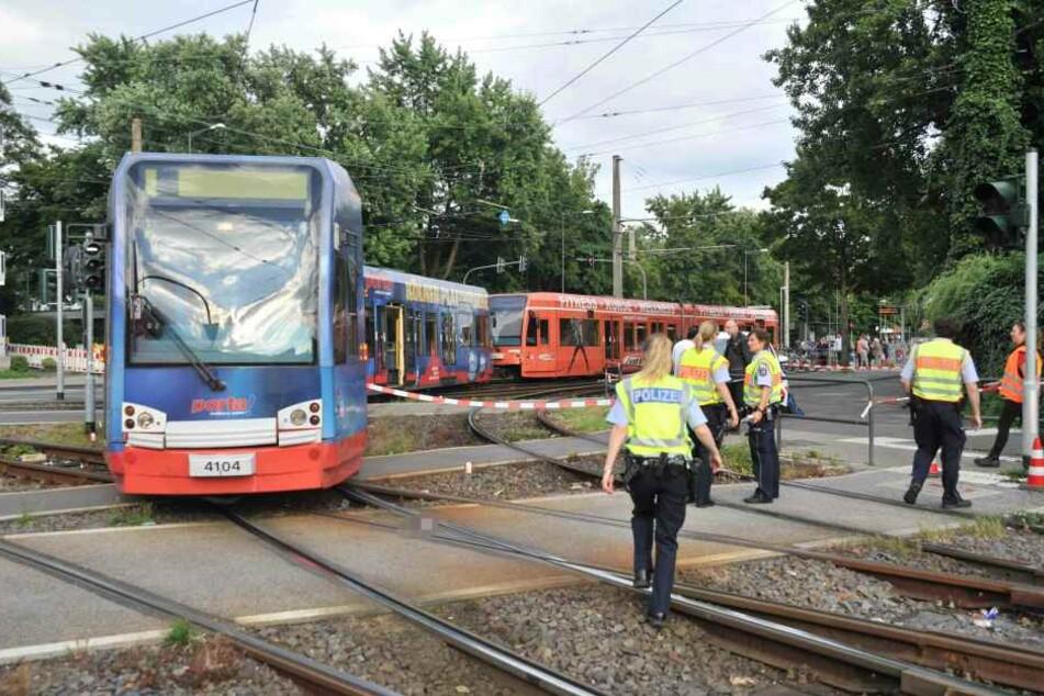 Die Seniorin, die am vergangenen Montag in Longerich von einer Stadtbahn der KVB angefahren wurde, ist gestorben.