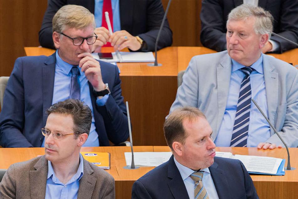 Markus Wagner (hinten li.) und Helmut Seifen (hinten re.) werden vermutlich um das Spitzenamt kandidieren.