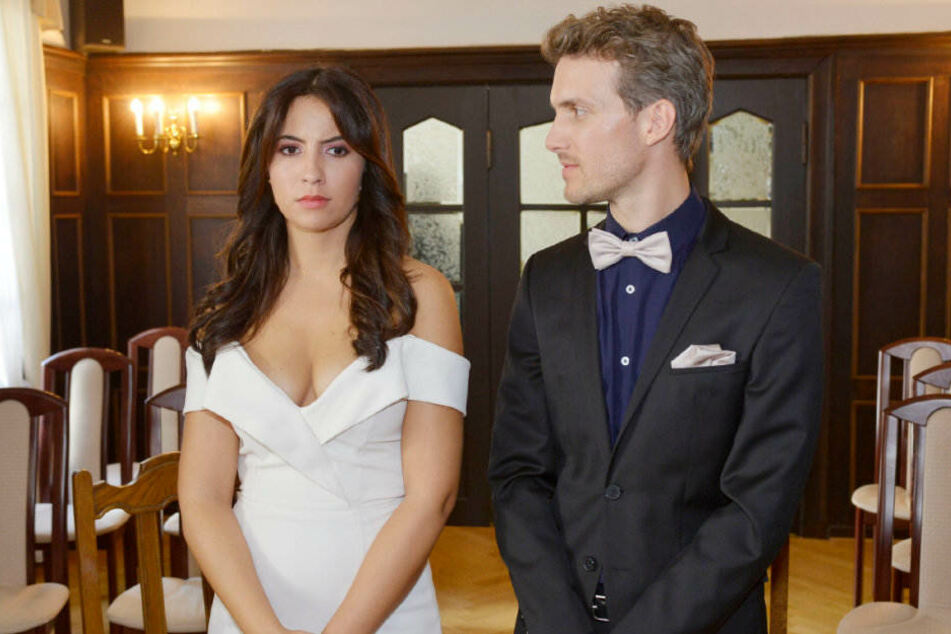Laura und Felix wollen heiraten.