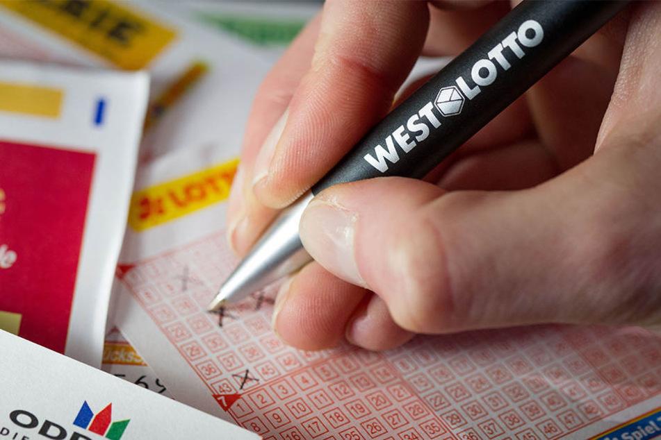 Kriminelle haben es gezielt auf Lottospieler abgesehen!