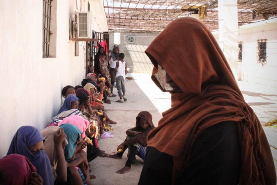 Die EU versucht, Asylzentren jenseits ihrer Grenzen zu errichten. Marokko und Ägypten lehnen das in ihren Ländern ab.