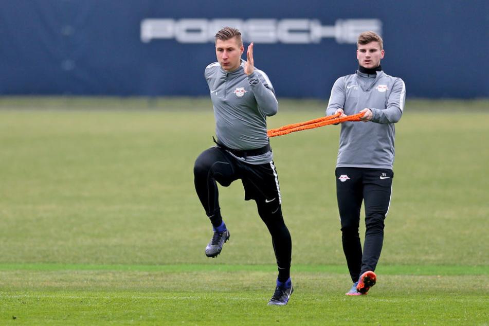 Kapitän Willi Orban (l.) und Stürmer Timo Werner werden sich ab 2. Januar im Trainingszentrum am Cottaweg auf die Rückrunde vorbereiten.