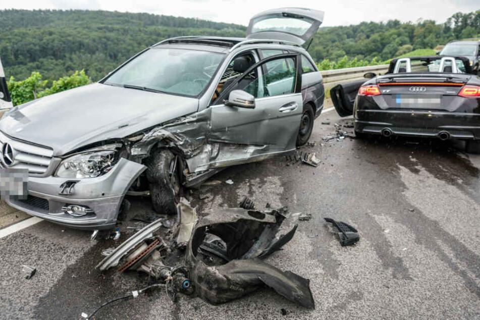"""""""Wirtschaftlicher Totalschaden"""": Beide Wagen sind komplett zerstört worden."""